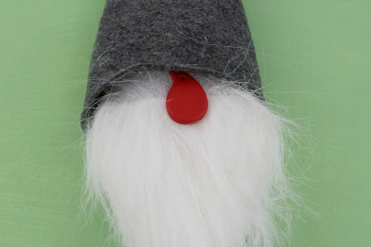 how to make a peek a boo nose for a Scandinavian gnome tomte nisse