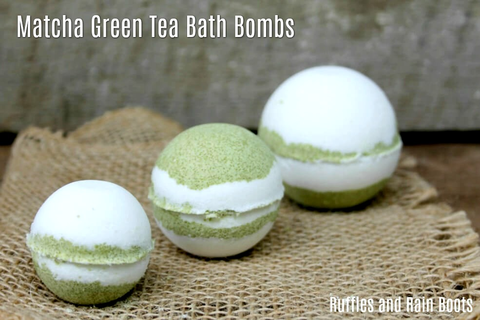 Green tea bath bombs made with matcha powder