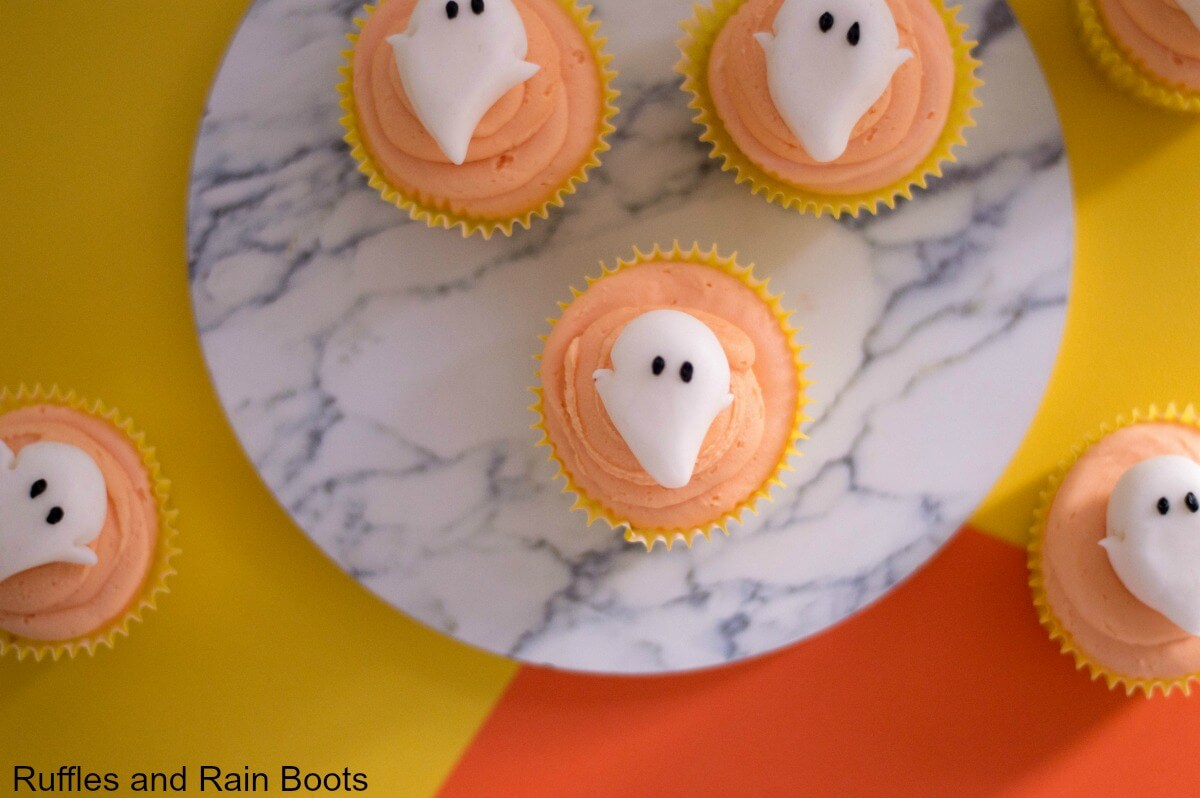 Make these adorable Halloween cupcakes - non-scary ghost cupcakes with an easy icing recipe.