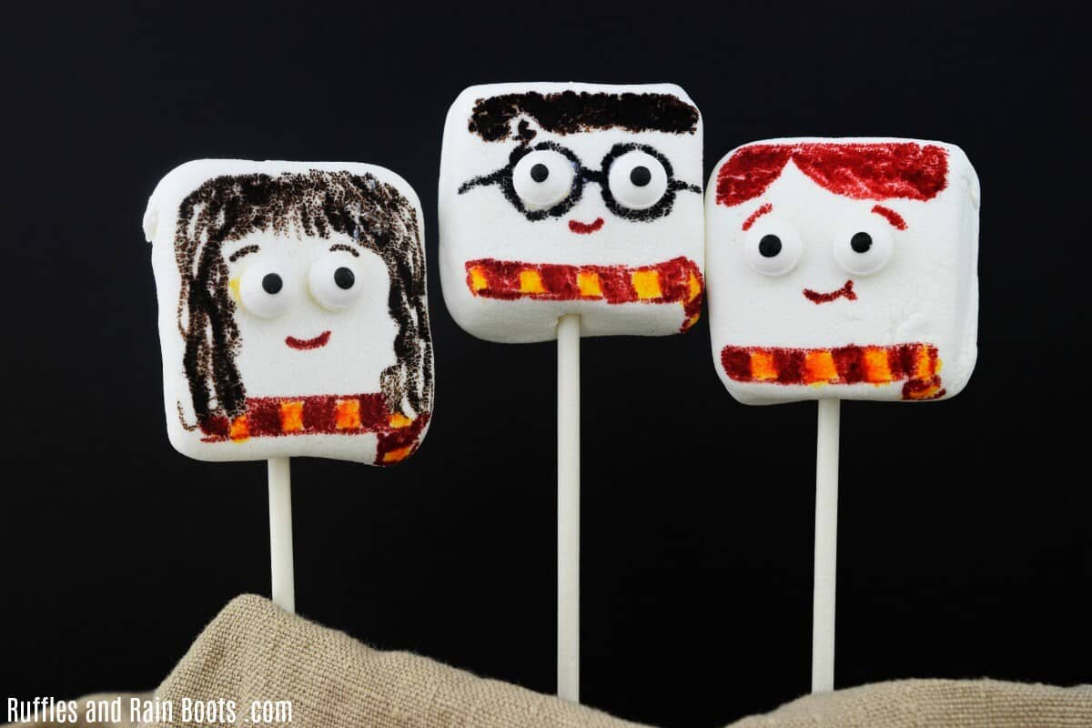 Harry Potter Marshmallows are a great Harry Potter Craft for Movie Night