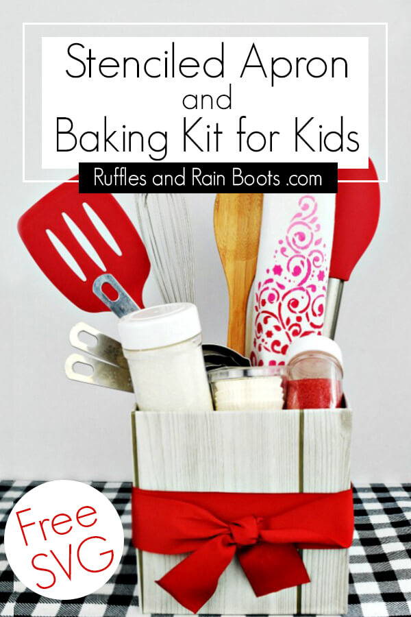 You can make this adorable stenciled kids Christmas apron in no time as a gift or as part of this fun baking kit for kids. Ad #christmas #diychristmas #handmadeholidays #stencilprojects #stencilrevolution #giftideasforkids #bakingkit #baking #rufflesandrainboots