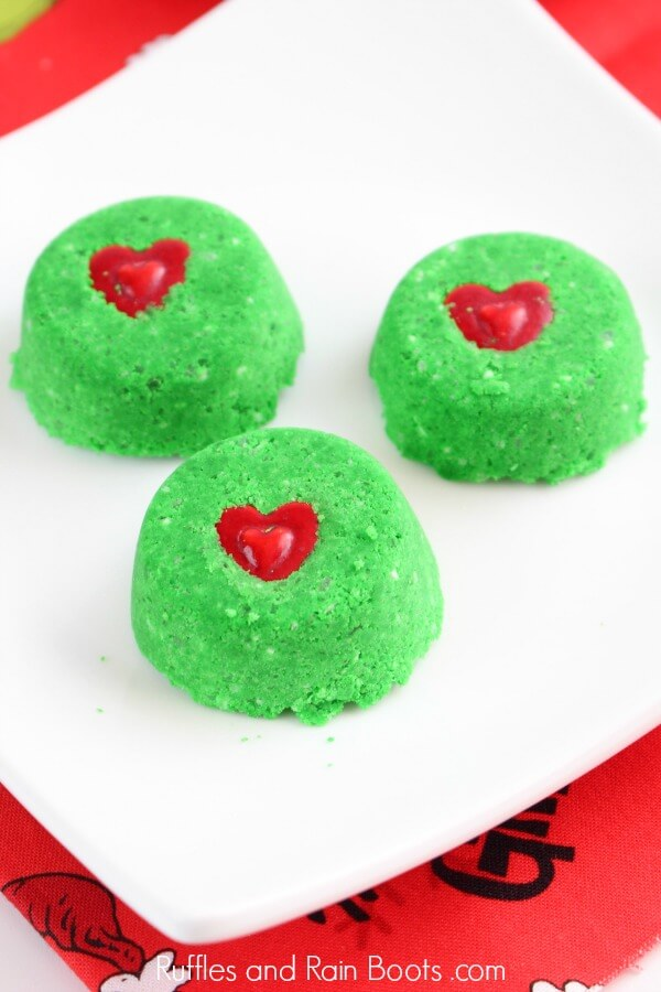 DIY Gift Idea - Grinch Christmas Shower Bombs and Bath Fizzies