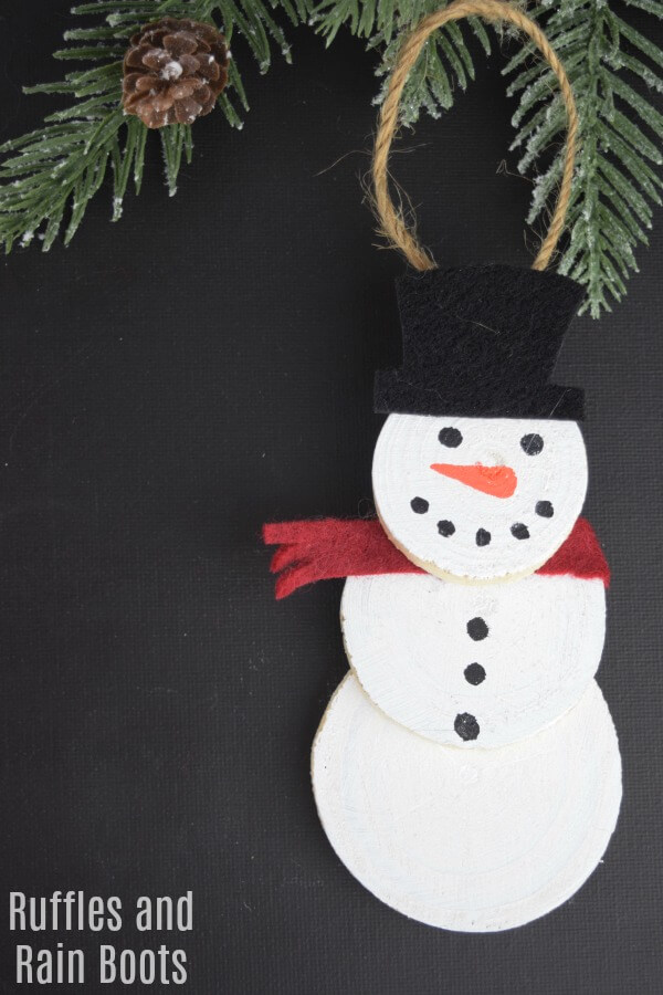 Adorable Snowman Ornament made in 15 minutes or less