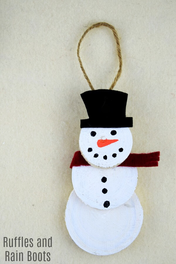Easy Snowman Ornament for a Fun Holiday Craft