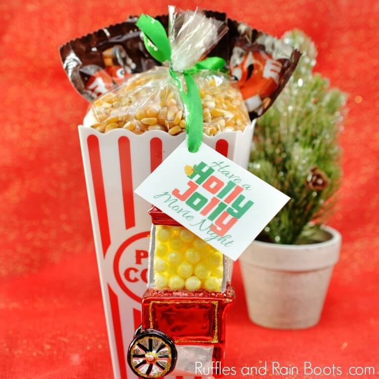 Movie Gift Idea - Holly Jolly Movie Night