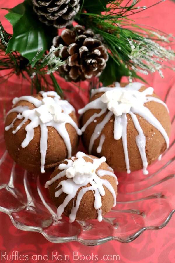 Hot Cocoa Bath Bombs for Christmas spa gifts