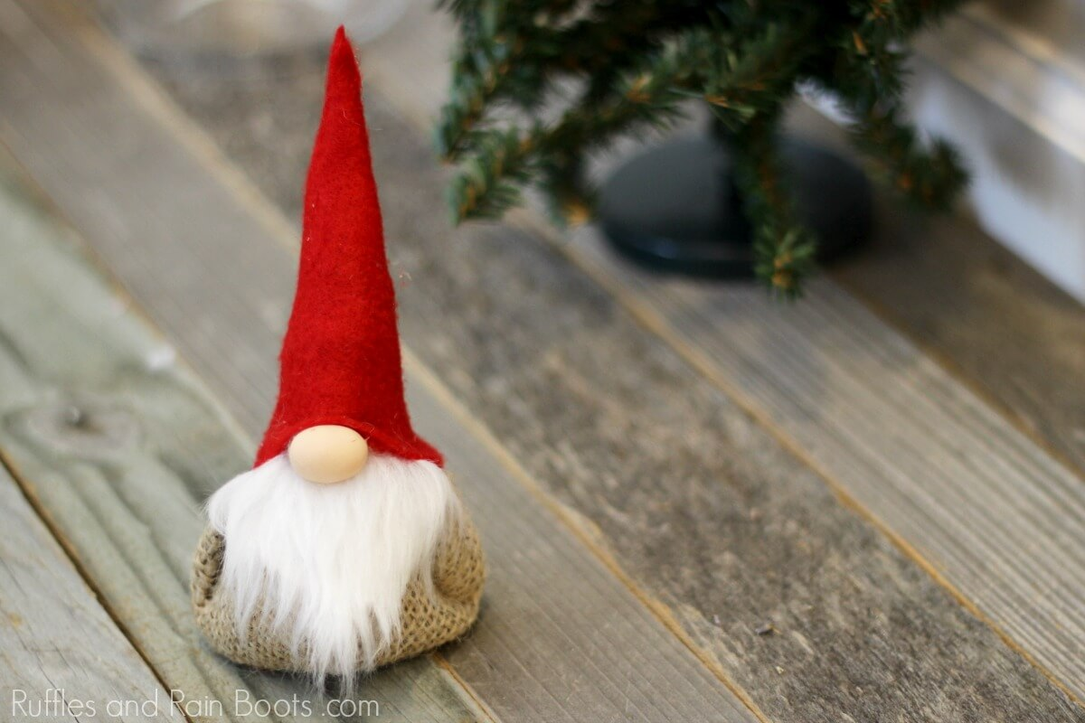 how to make a gnome sachet filled with lavender