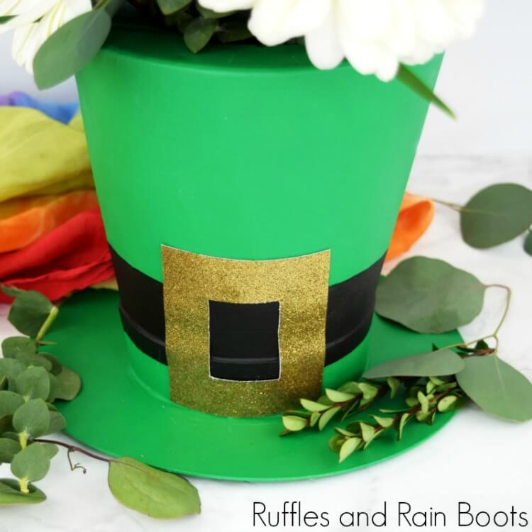 DIY Leprechaun Hat Vase for St Patrick's Day