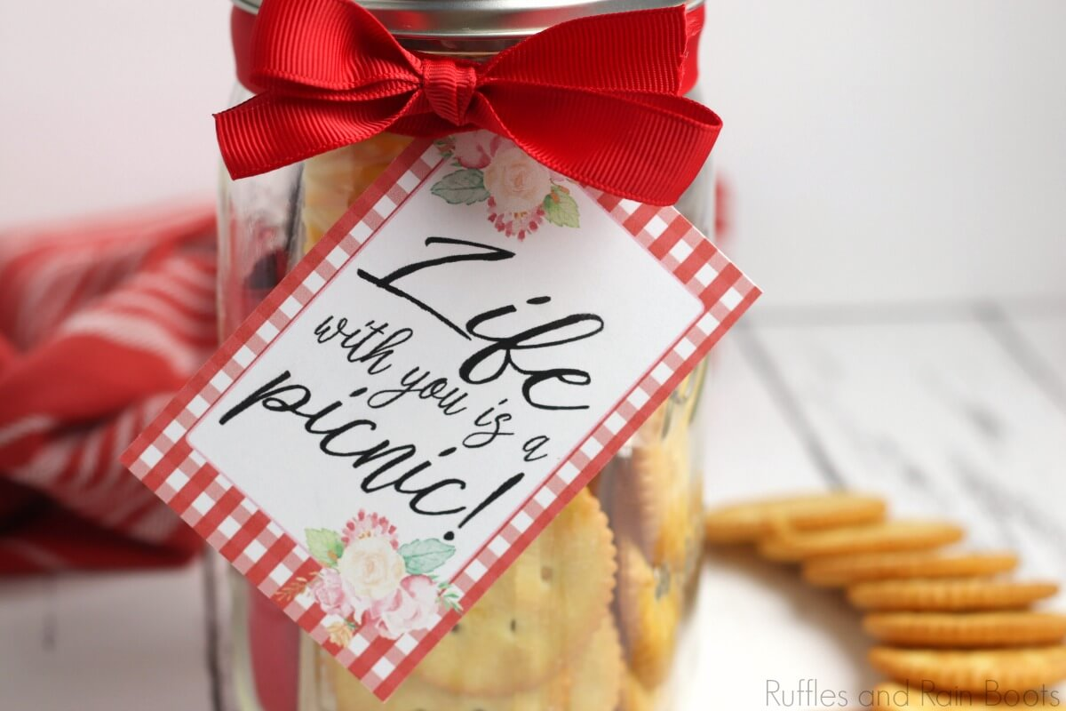 picnic date night in a jar final craft completed on a white background