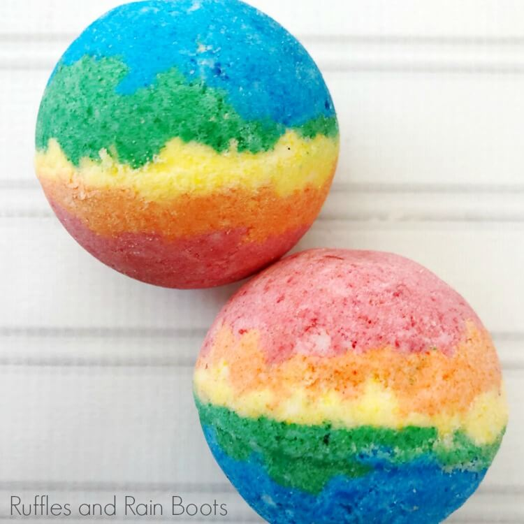 This Rainbow Bath Bomb Recipe Makes a Great Gift