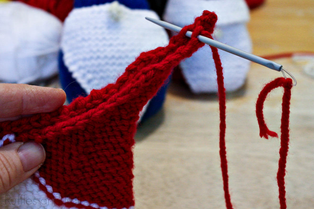 how to knit a gnome hat and attach it to a knitted gnome