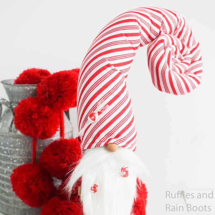 how to make a red and white striped gnome on a white background