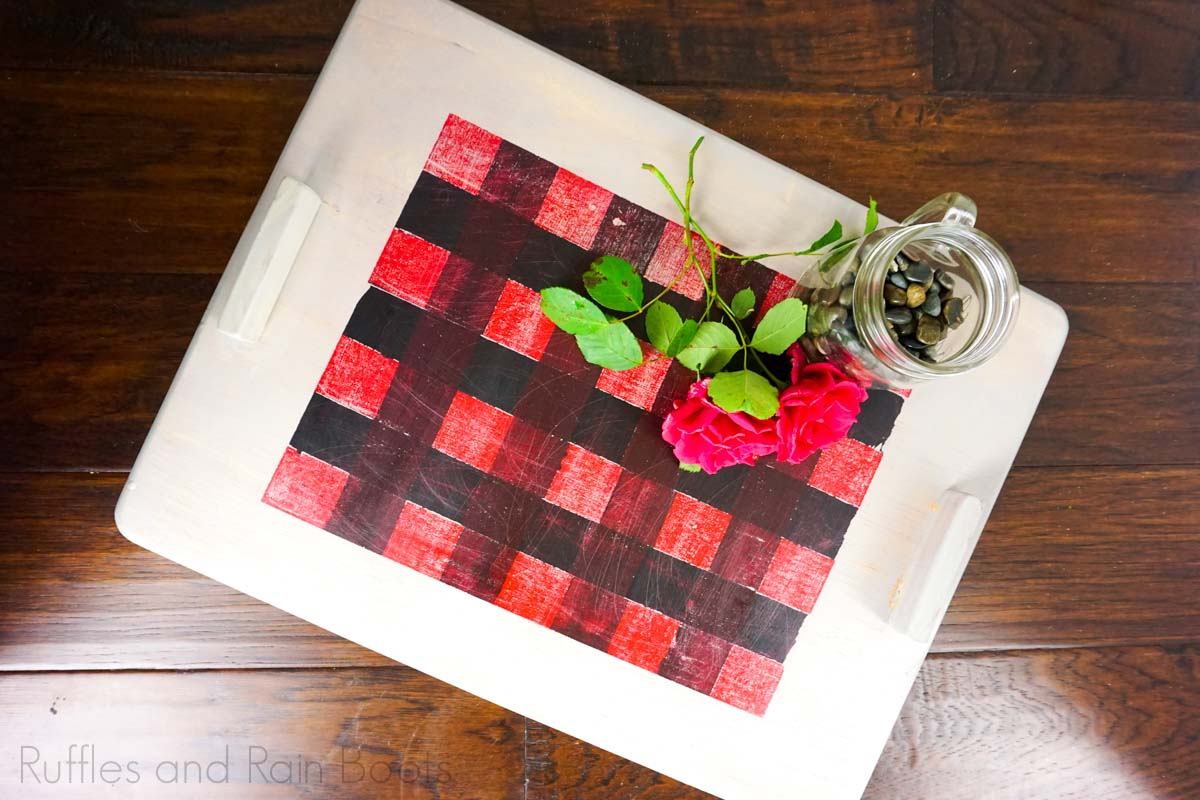 DIY Buffalo Check Painted tray for Christmas on a dark wood background