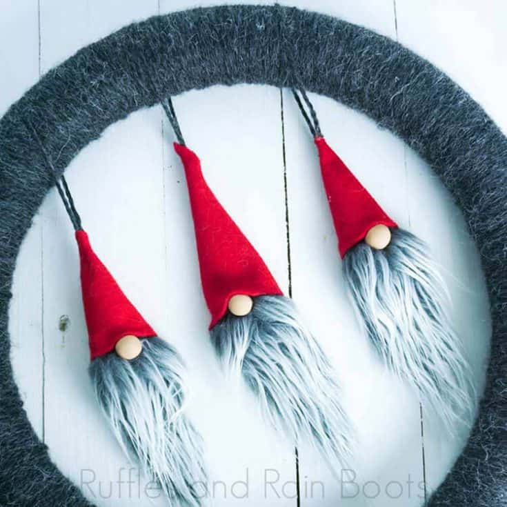 How to Make a Gnome Wreath with little gnome faces