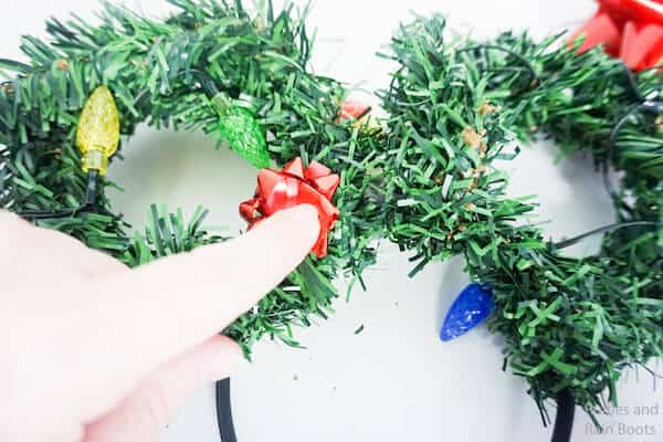 how to make disney ears for christmas by putting on bows