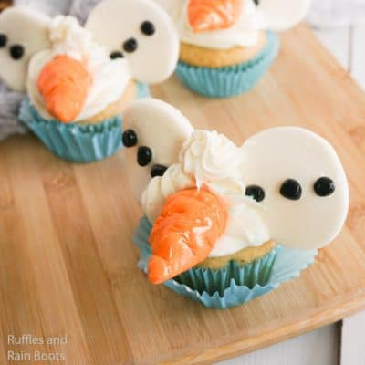 Olaf Mickey Ear Cupcakes are Perfect for a Frozen Party!