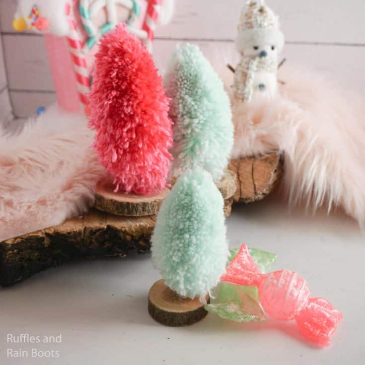 how to make a miniature christmas tree from yarn