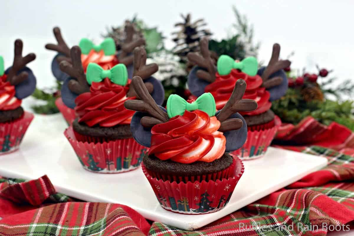 how to make minnie reindeer cupcakes for christmas