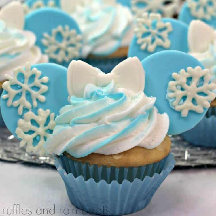 FROZEN Elsa Cupcakes with Minnie Mouse ears and bow