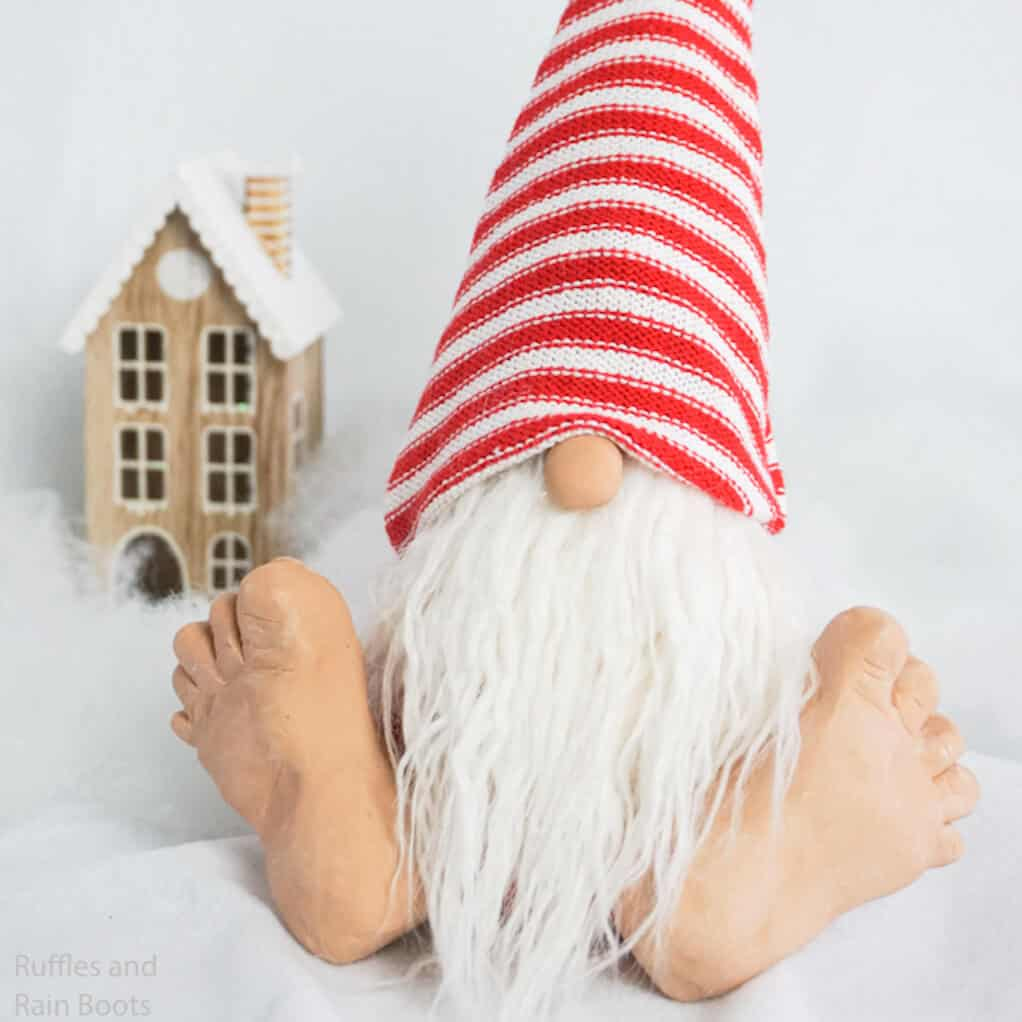 how to make a barefoot gnome