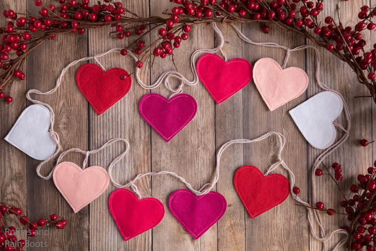 how to make a valentines garland on the cricut or silhouette