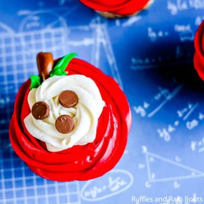 Sliced Apple Cupcakes are Perfect Teacher Appreciation Gifts!