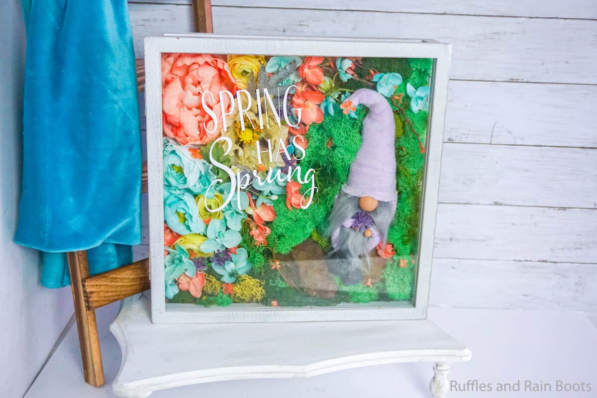 how to make a shadowbox gnome for spring on a rock