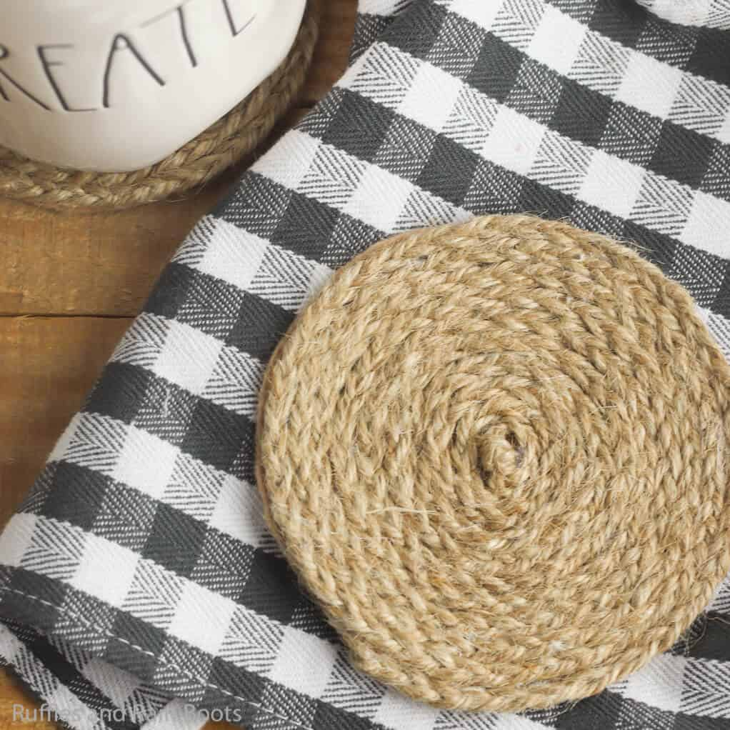 easy diy coasters made with twine