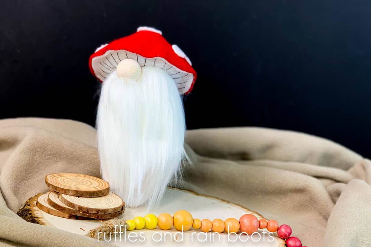 Christmas gnome tutorial for a mushroom gnome with hat