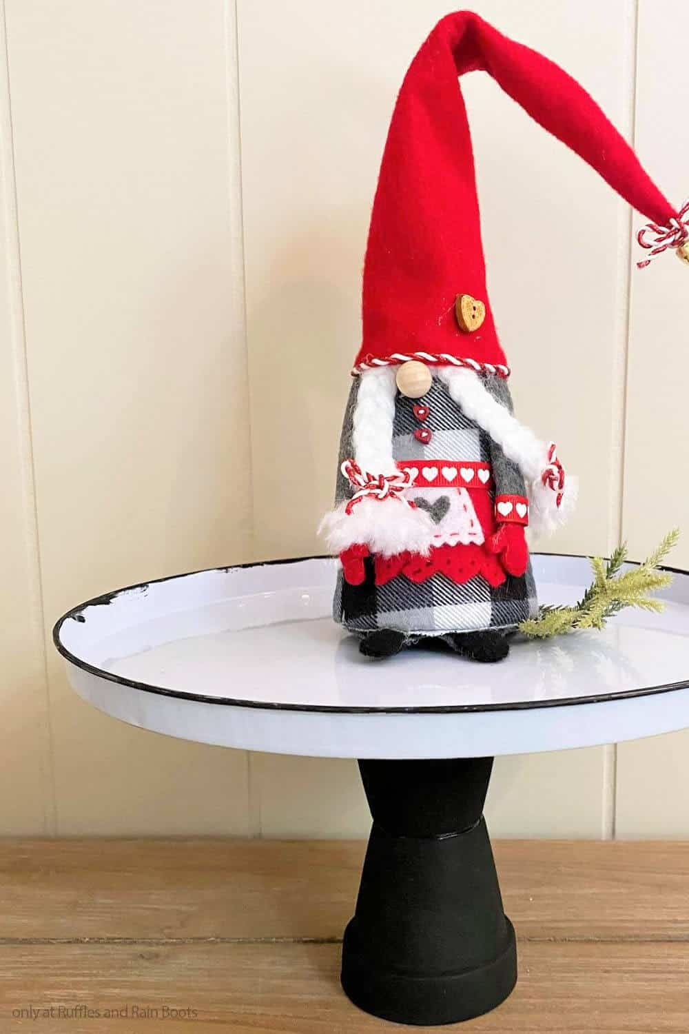easy diy gnome display stand made with supplies from the dollar store
