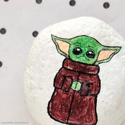 This Fun Baby Yoda Rock Painting Craft is Cute and Quick!