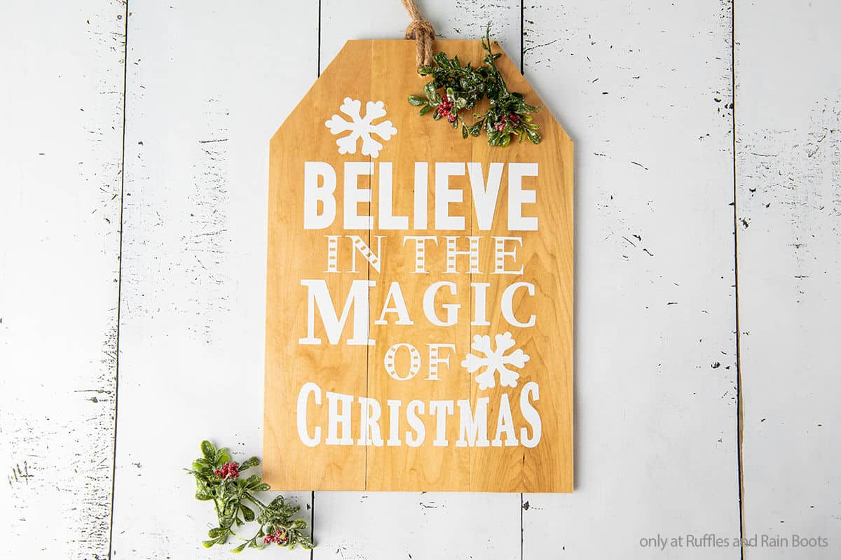 easy diy christmas sign cricut craft