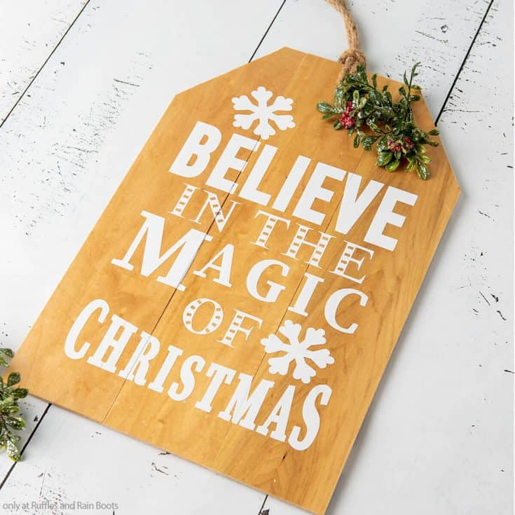 wooden sign cricut craft for christmas