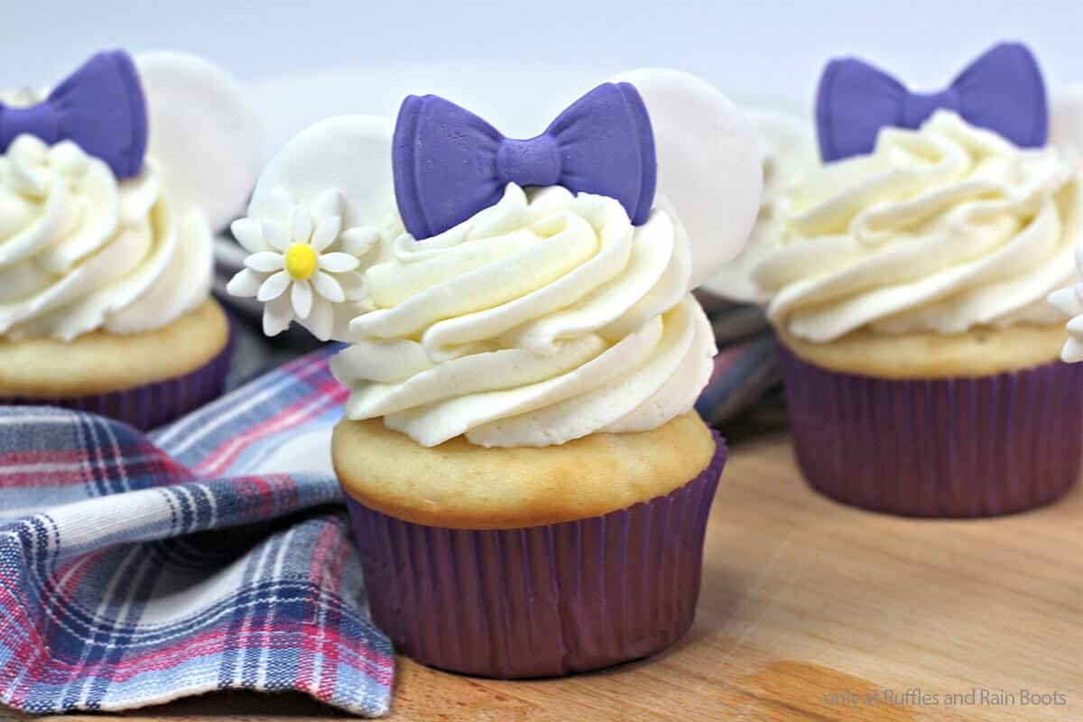 easy Disney cupcake recipe with mickey ears for Daisy Duck party