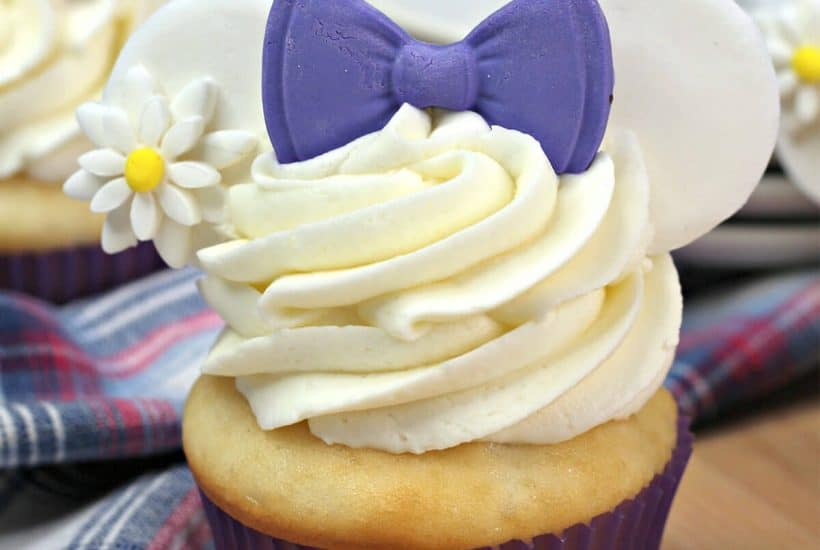 easy daisy duck cupcake recipe with mouse ears for disney vacation reveal