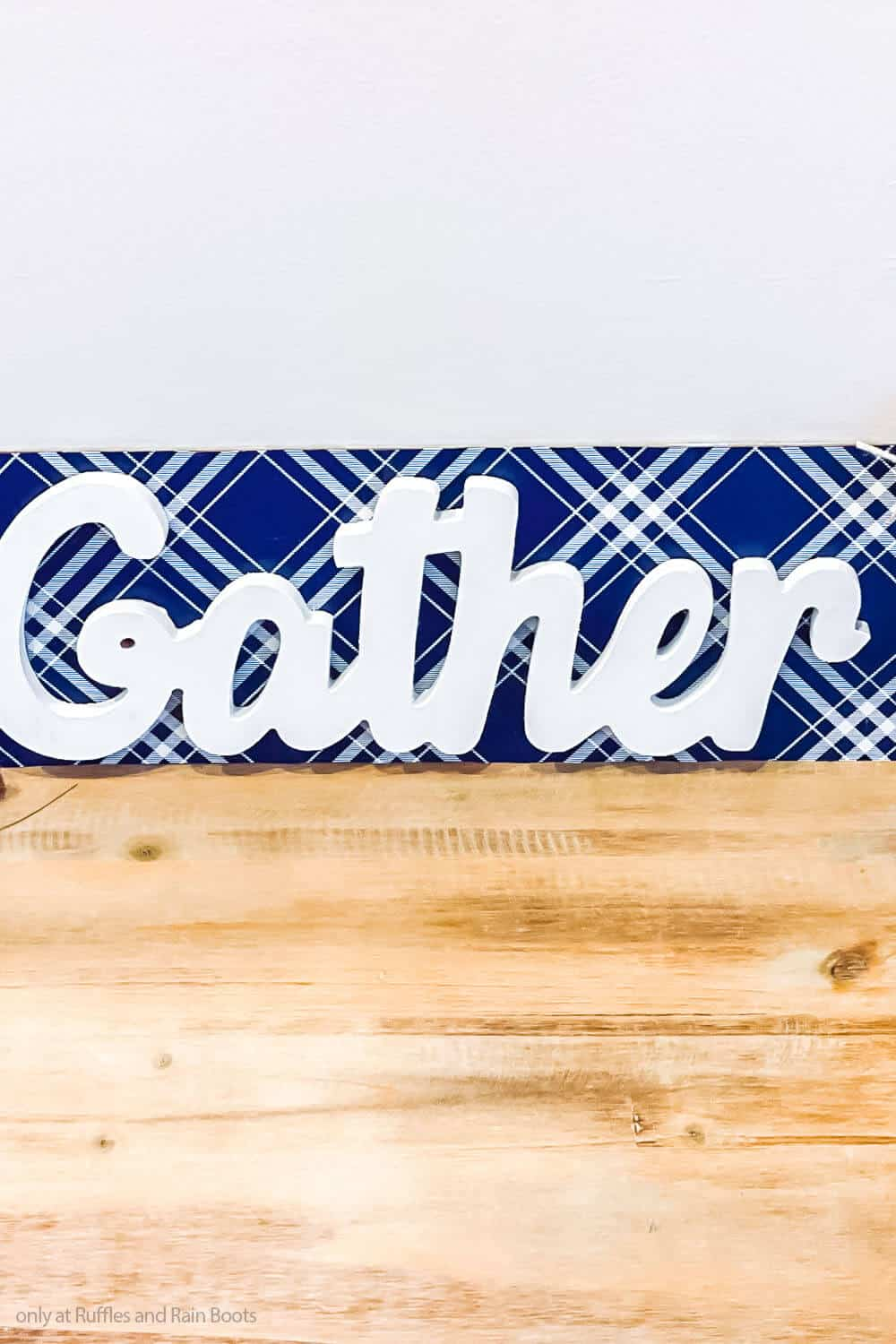 easy diy fall craft from dollar tree of a wood sign