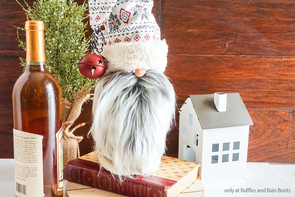 no-sew tomte craft using a wine bottle bag