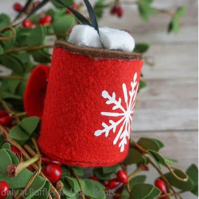 This Hot Cocoa Ornament Cricut Craft is a Fun Christmas Craft