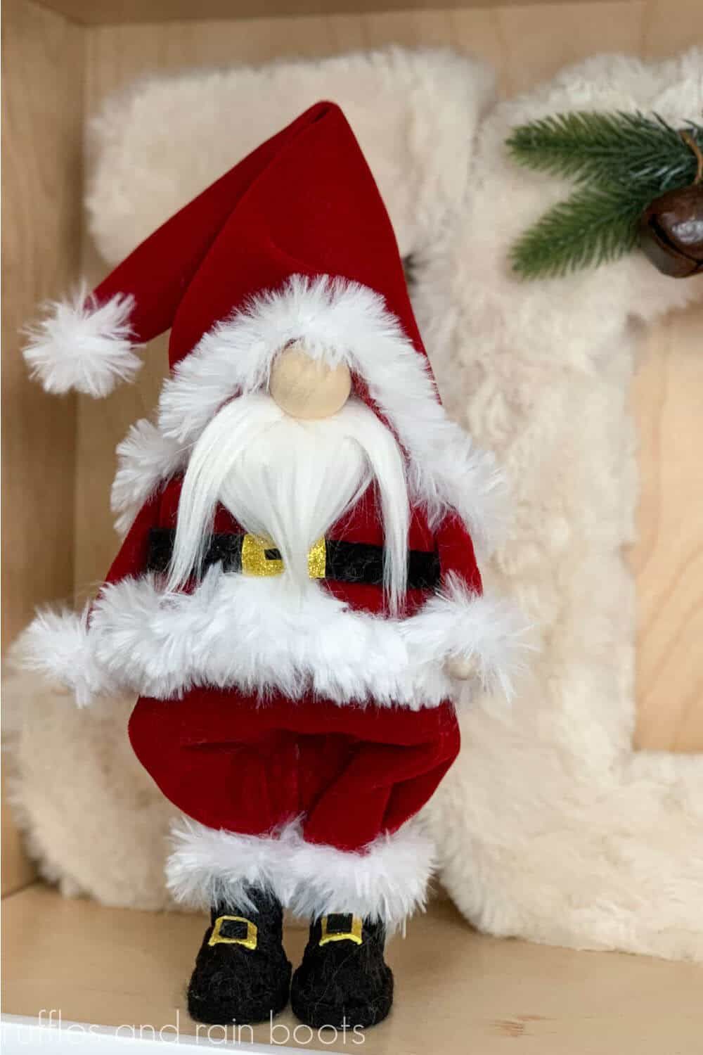 easy diy gnome from a cone for santa claus