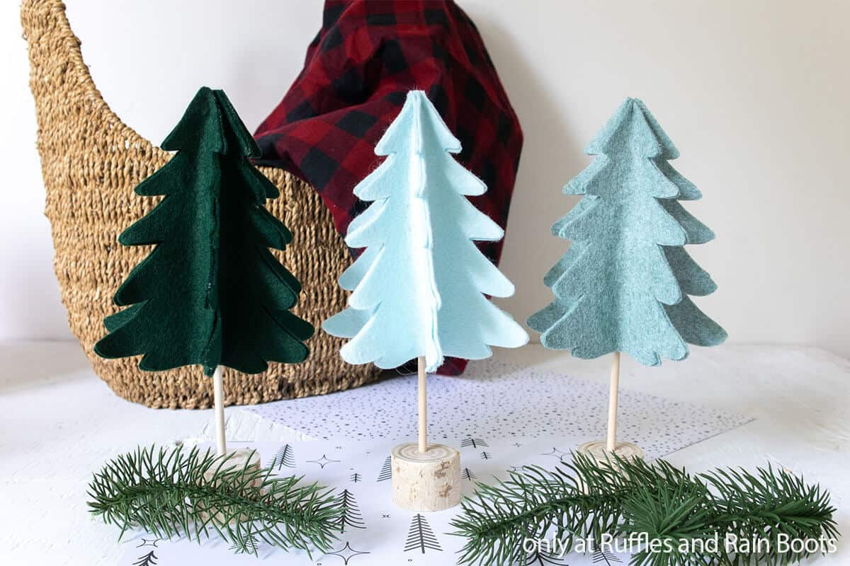 farmhouse christmas tree craft for the holidays