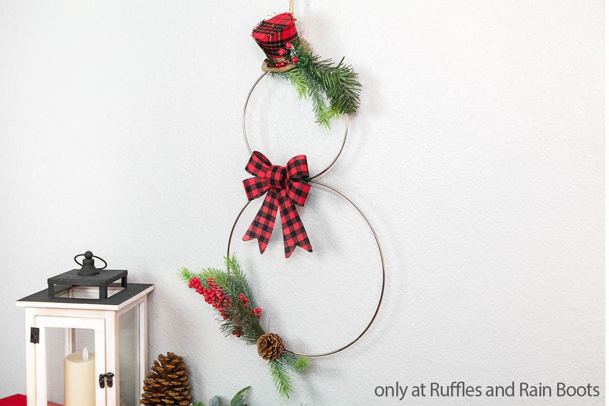 christmas snowman wreath from hoops