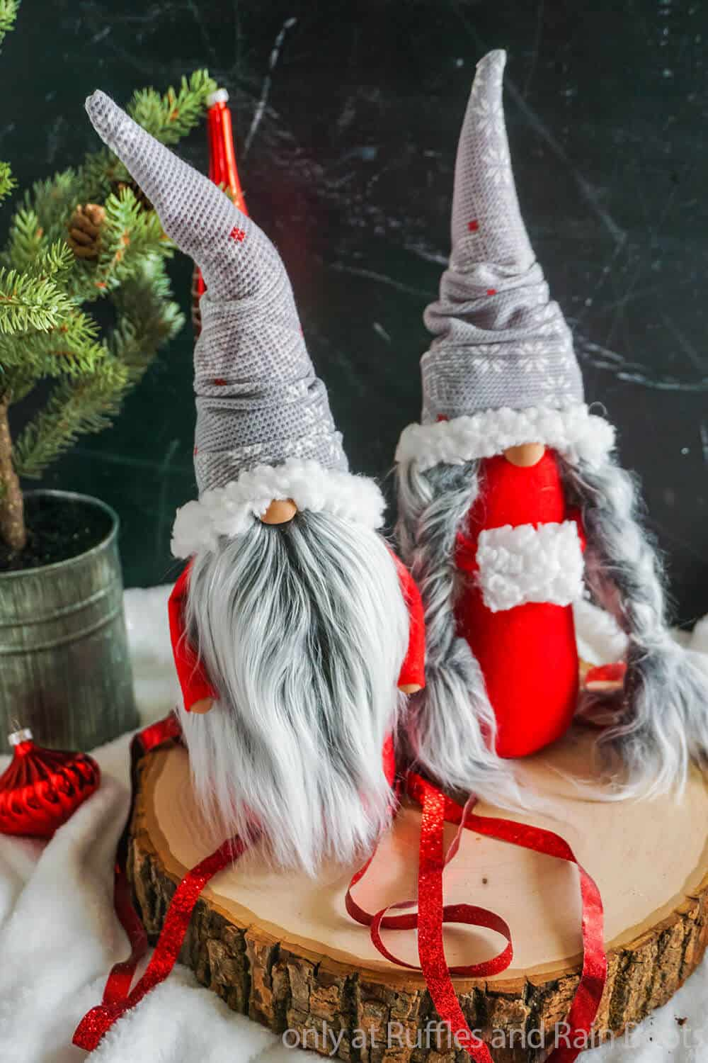 easy diy christmas gnome pattern with scandinavian gnome couple