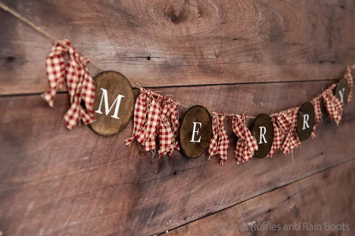 farmhouse christmas garland craft idea