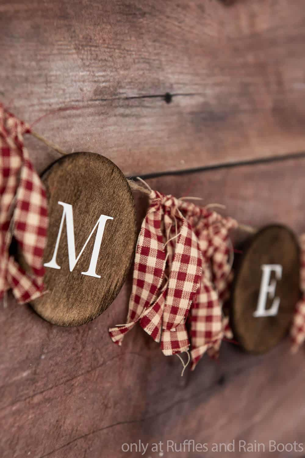 wood round farmhouse christmas garland