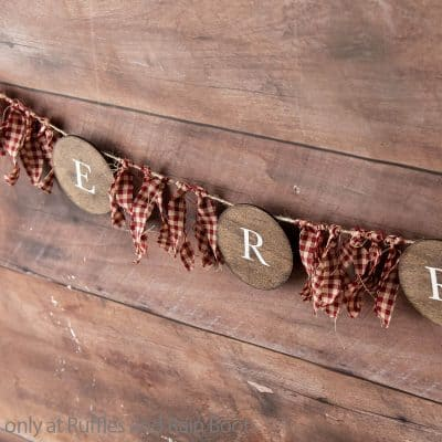 This Farmhouse Garland for Christmas is the Easiest Christmas Cricut Craft!