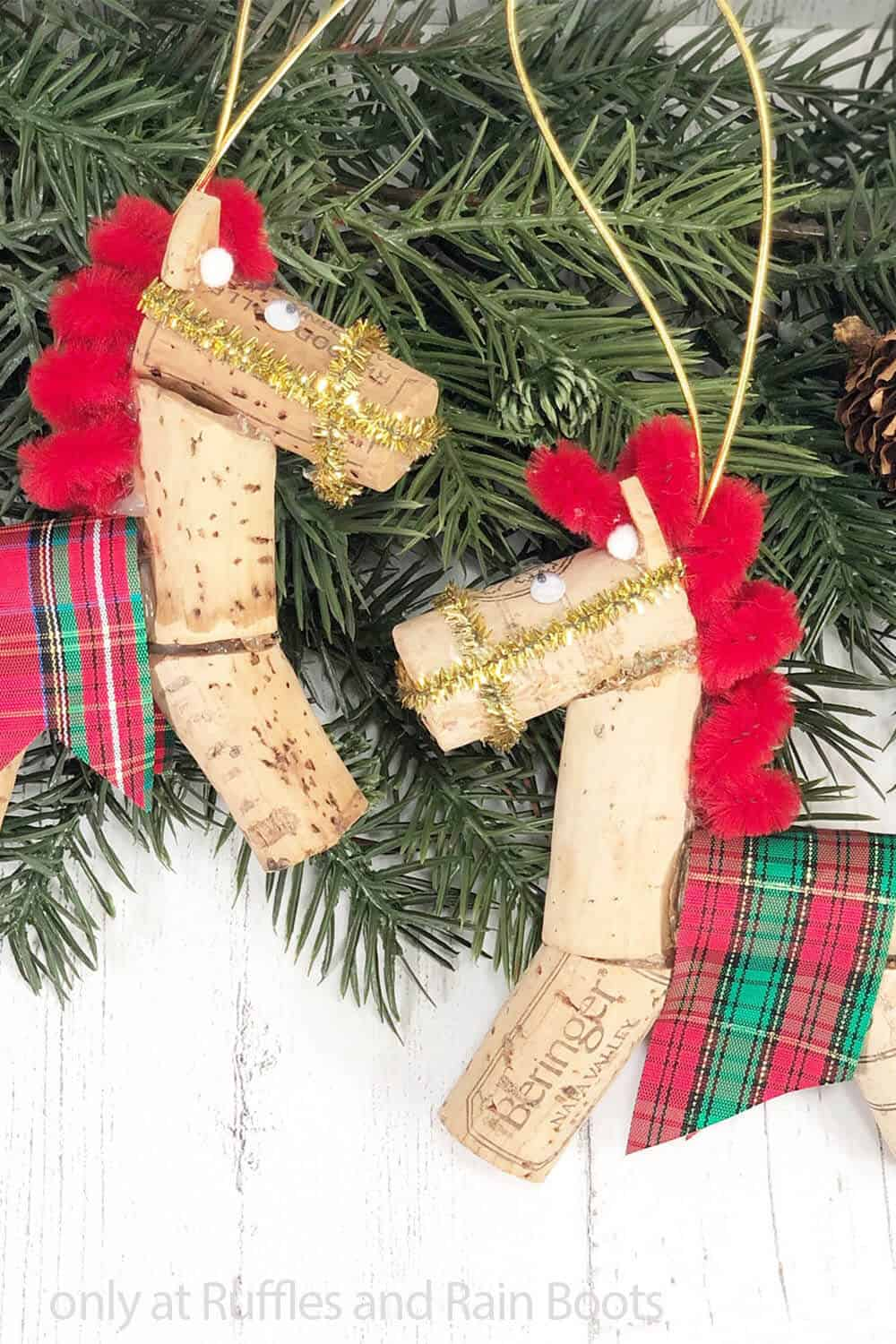 diy horse ornament from a wine cork