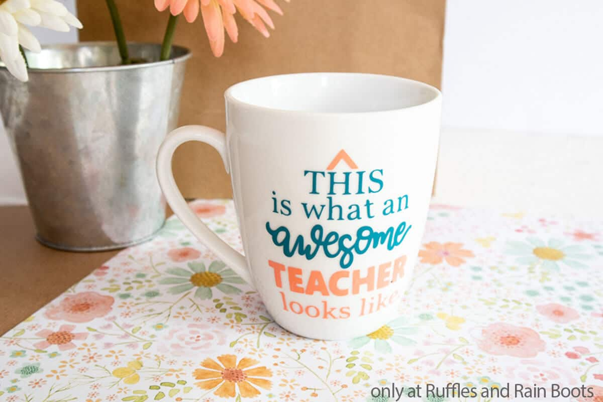 teacher appreciation gift coffee cup cricut craft