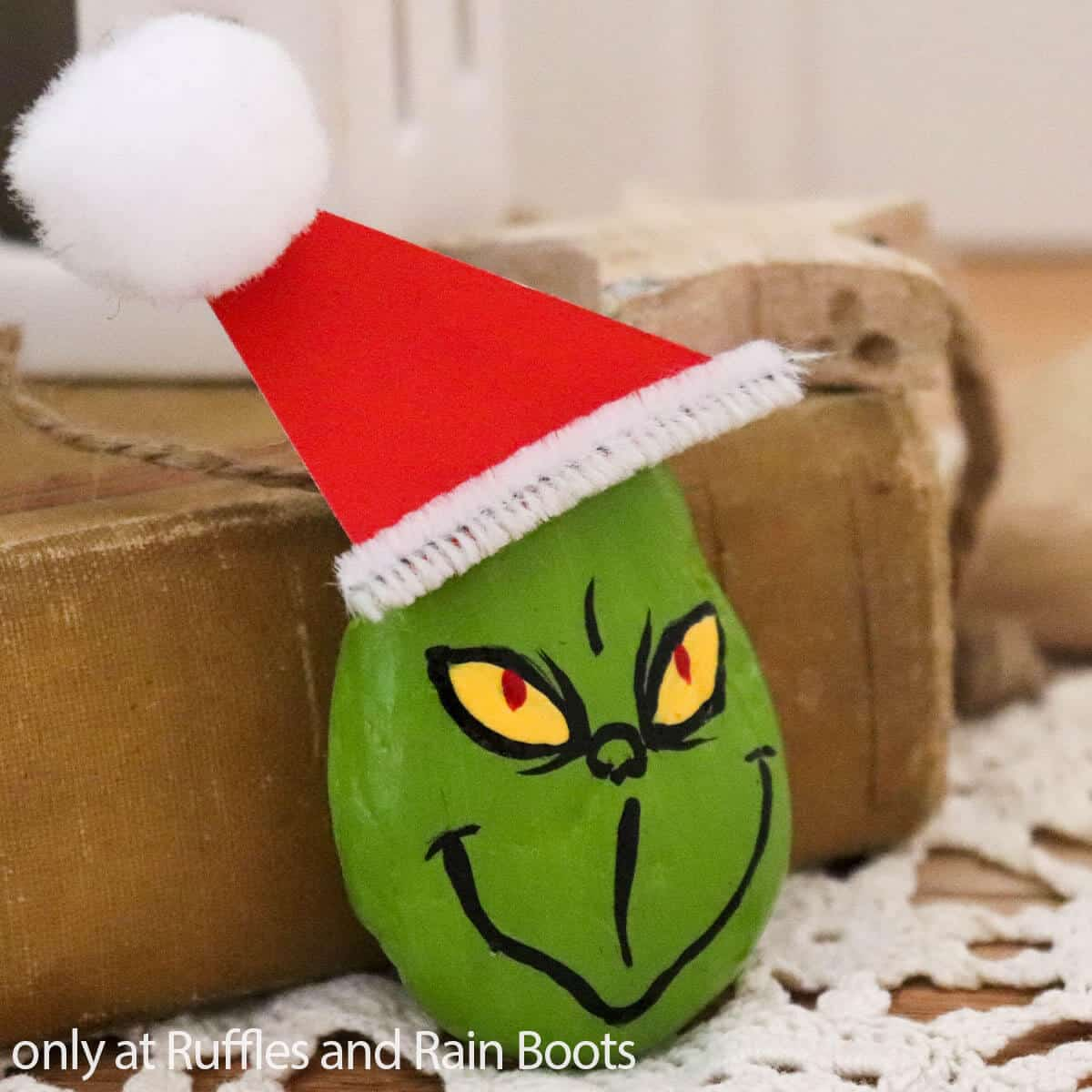 grinch painted rock craft