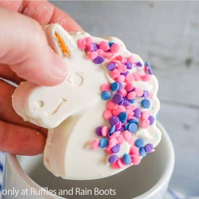 These Unicorn Hot Cocoa Bombs Are Epic White Chocolate Hot Cocoa Bombs