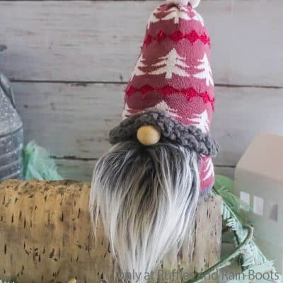 How to Make a Gnome from One Sock – Super Easy Sock Gnome Tutorial